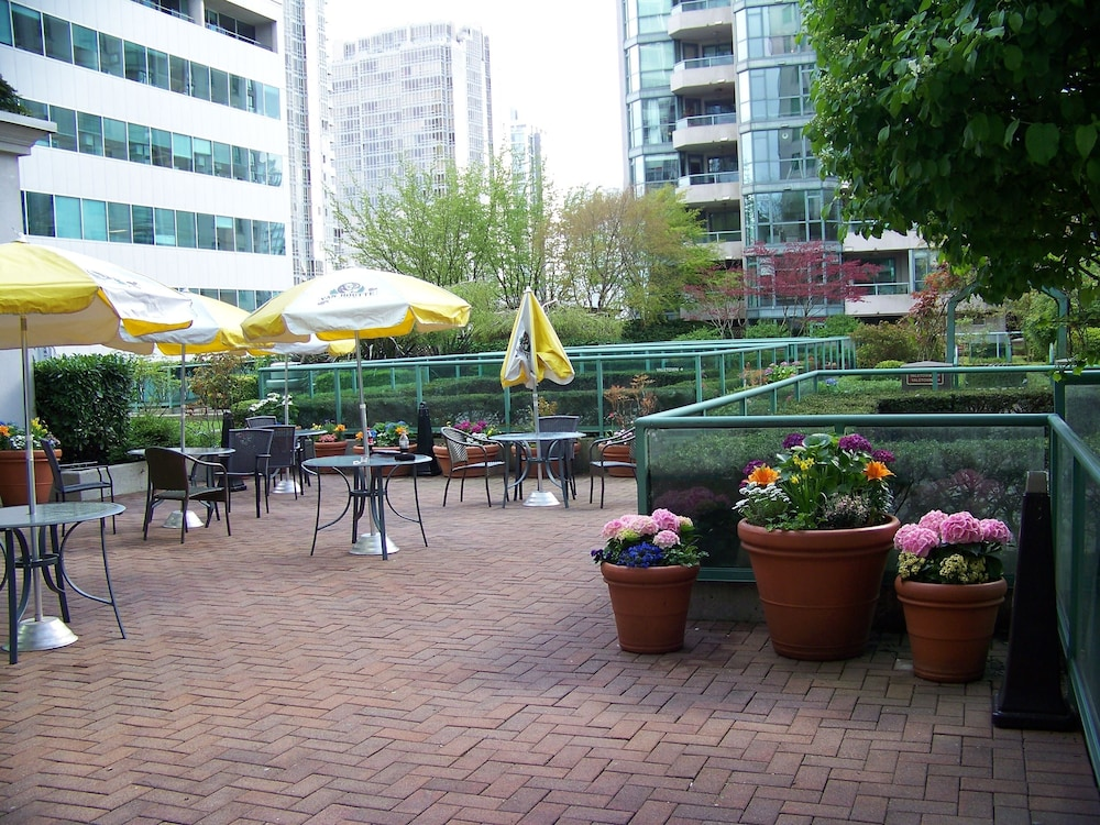 Terrace/Patio, Rosedale Condominiums