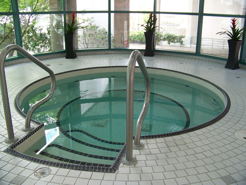 Indoor Spa Tub, Rosedale Condominiums
