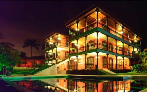 卡佩斯瑞拉納瓦拉酒店