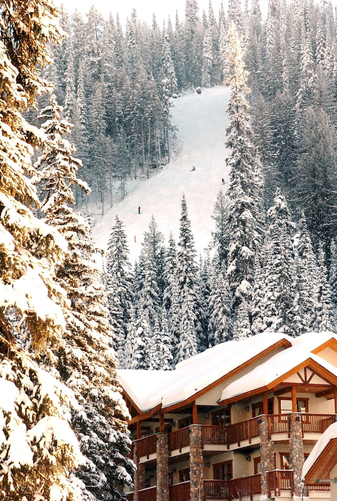 Snow and Ski Sports, The Pinnacle Lodge