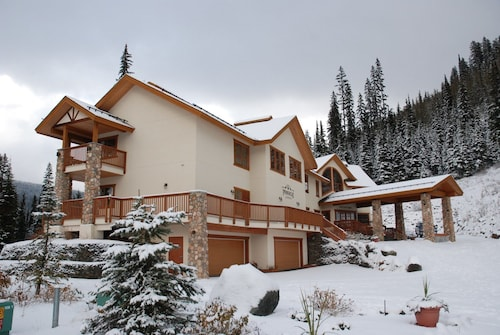 The Pinnacle Lodge