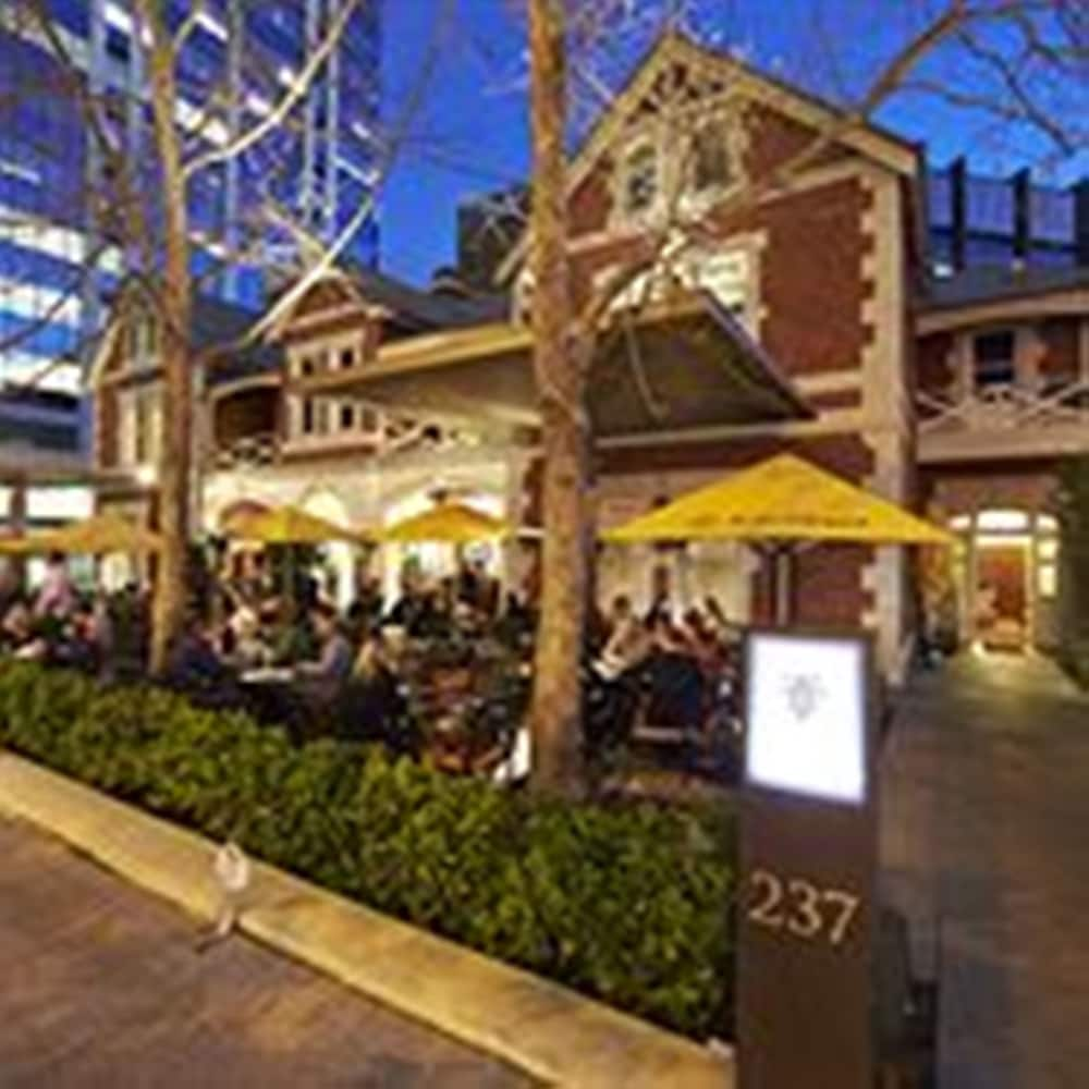 The terrace hotel deals reviews perth aus wotif for Terrace hotel breakfast