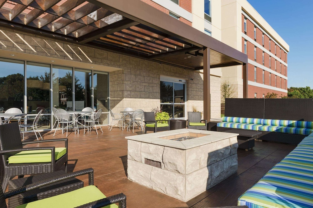 Terrace/Patio, Home2 Suites by Hilton Charlotte I-77 South, NC