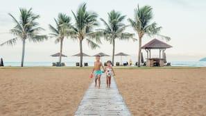 私家海滩、沙滩椅、海滩遮阳伞、沙滩毛巾