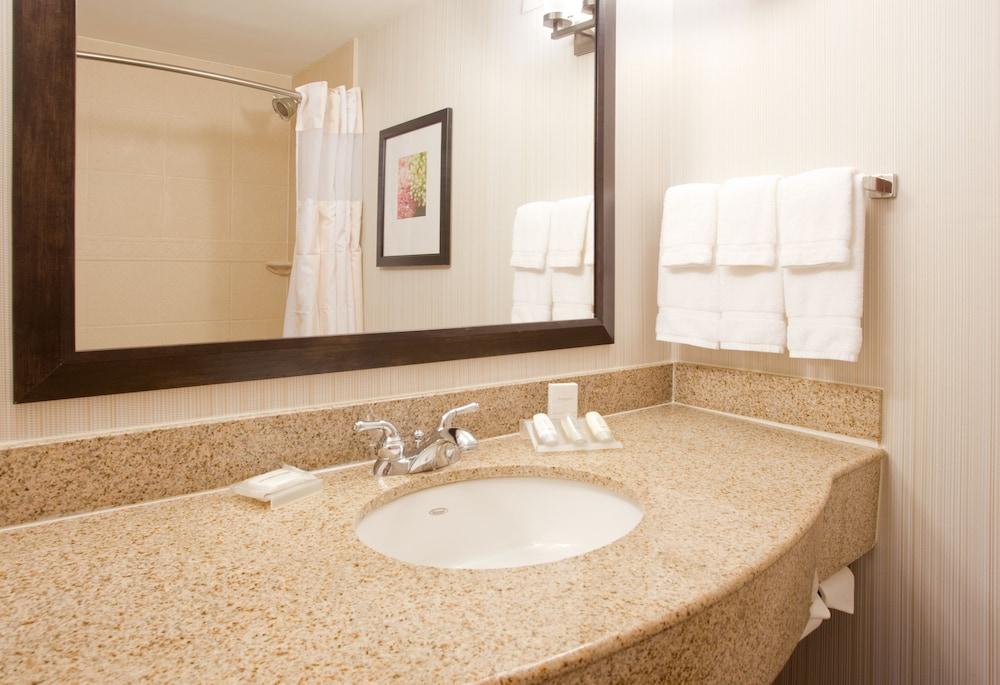 Hilton Garden Inn Salt Lake City Airport In Salt Lake City Hotel Rates Reviews On Orbitz