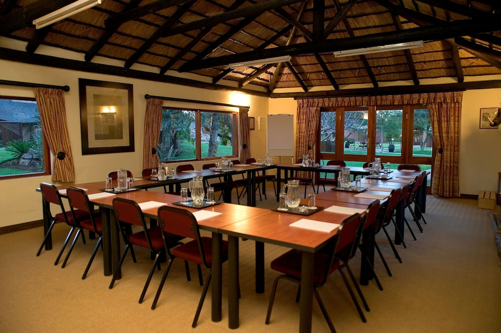 Meeting Facility, Ditholo Game Lodge