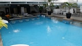 The Penthouse Hotel - Angeles City Hotels