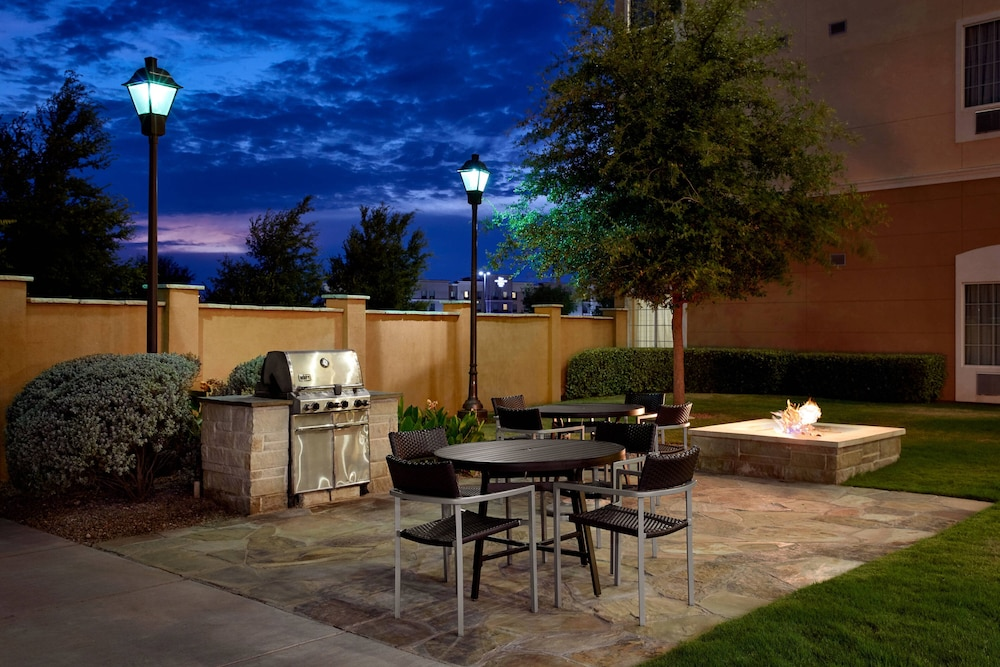 Terrace/Patio, TownePlace Suites Midland