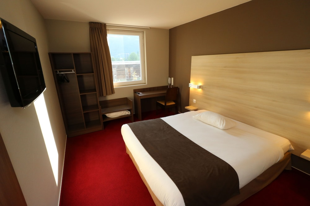 H tel arena grenoble reviews photos rates for Hotels 02 arena