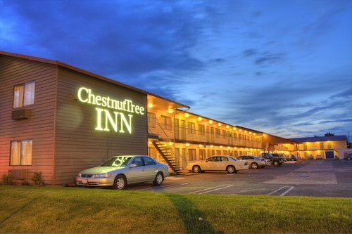 Great Place to stay Chestnut Tree Inn Portland Mall 205 near Portland