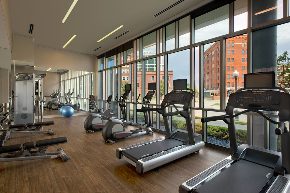 Sports Facility, SpringHill Suites by Marriott Denver Downtown