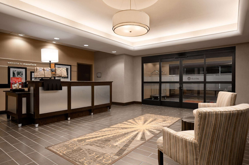 Reception, Hampton Inn & Suites Mansfield