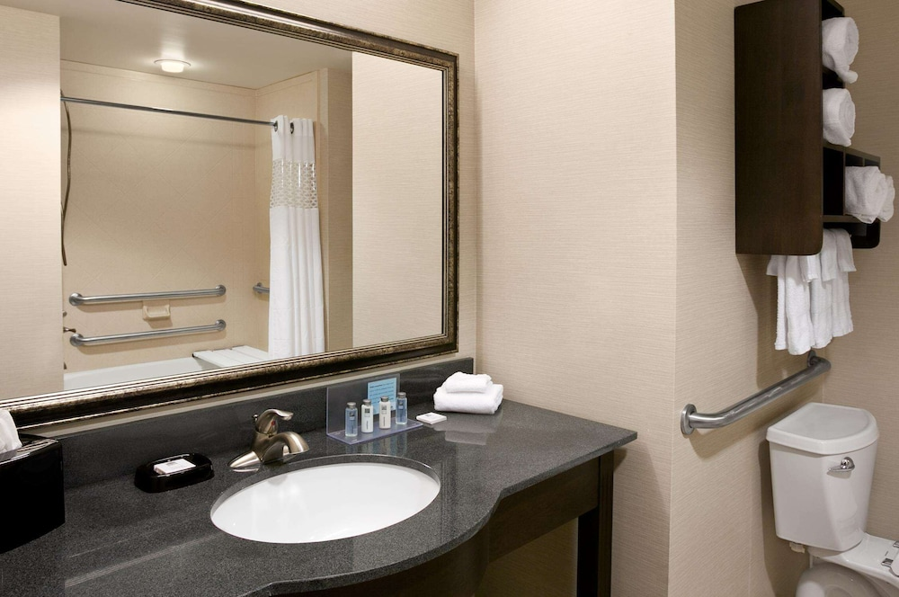 Room, Hampton Inn & Suites Mansfield