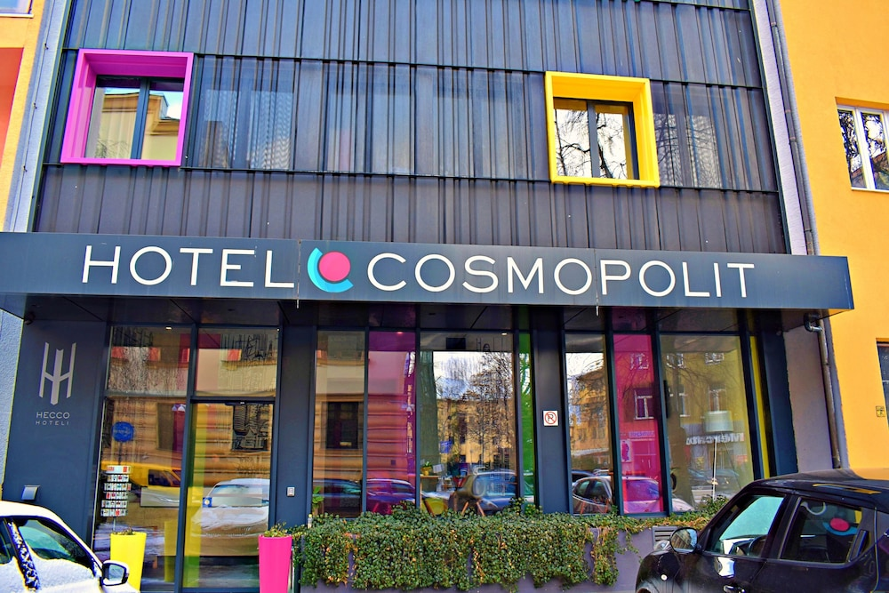 Front of Property, Hotel Cosmopolit