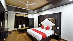 Premium bedding, memory foam beds, desk, free wired internet