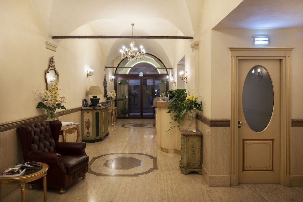 Hotel Cavour (Bologna, Italia) | Expedia.it