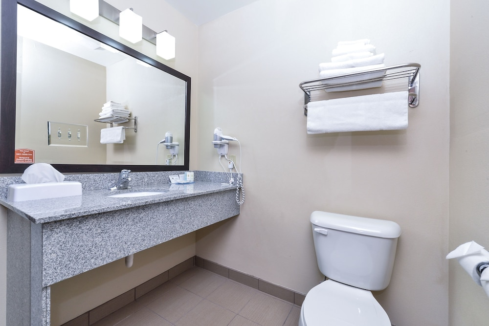 Bathroom, Comfort Inn & Suites Page at Lake Powell