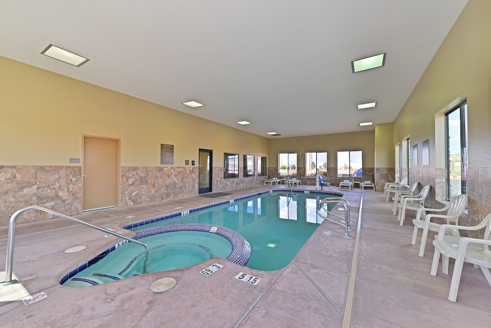 Indoor Pool, Comfort Inn & Suites Page at Lake Powell