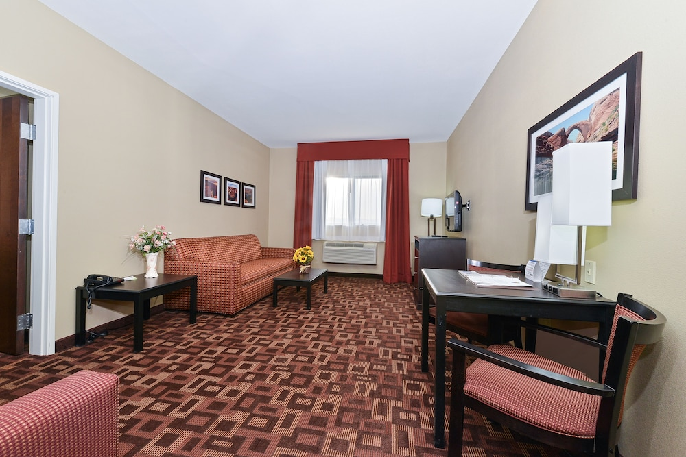 Living Area, Comfort Inn & Suites Page at Lake Powell