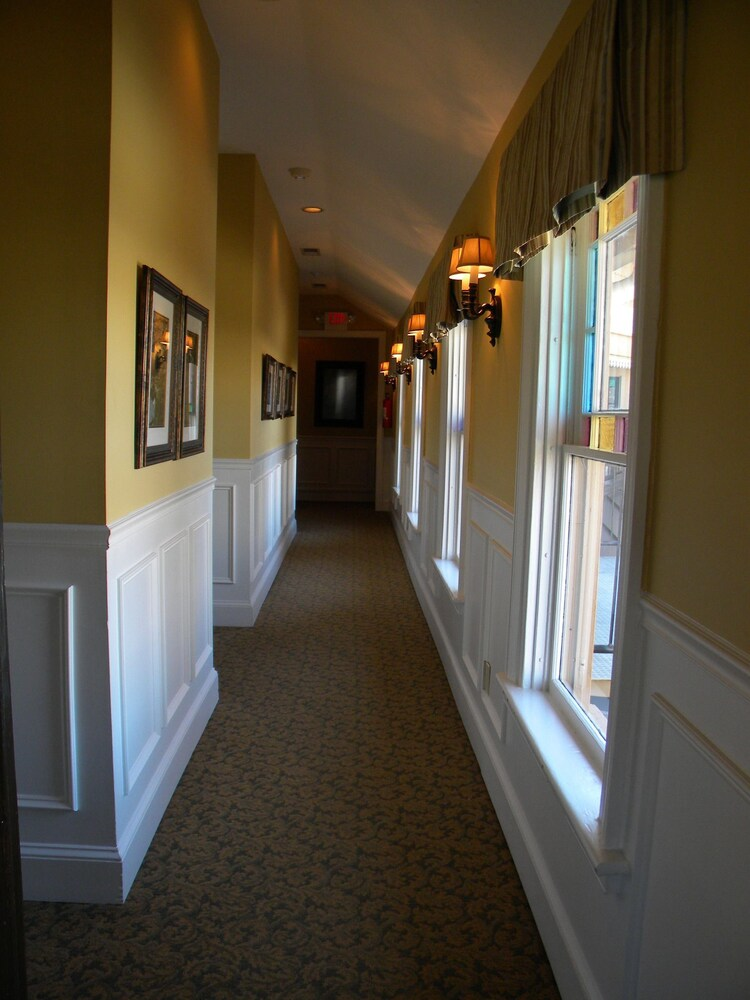 Hallway, The Smith House