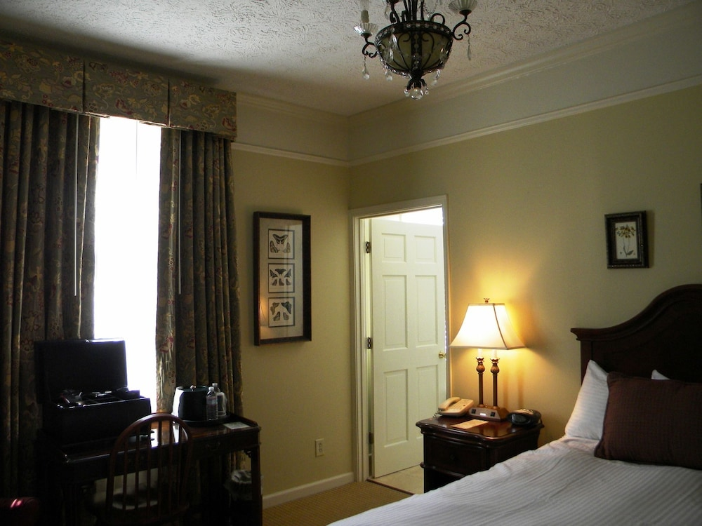 Room, The Smith House