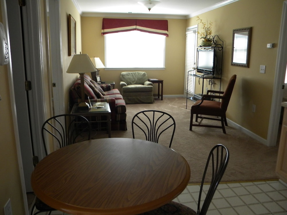 Living Area, The Smith House