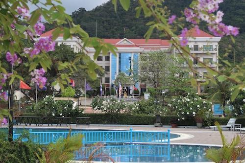락 로얄 호텔 앤 리조트