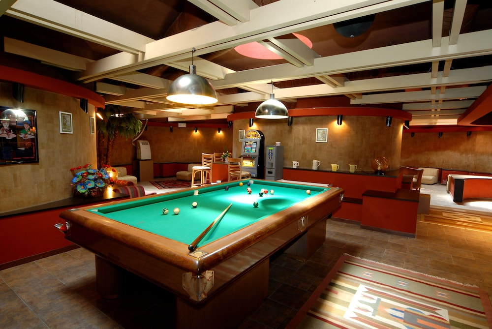 Billiards, Hotel 5 Terre
