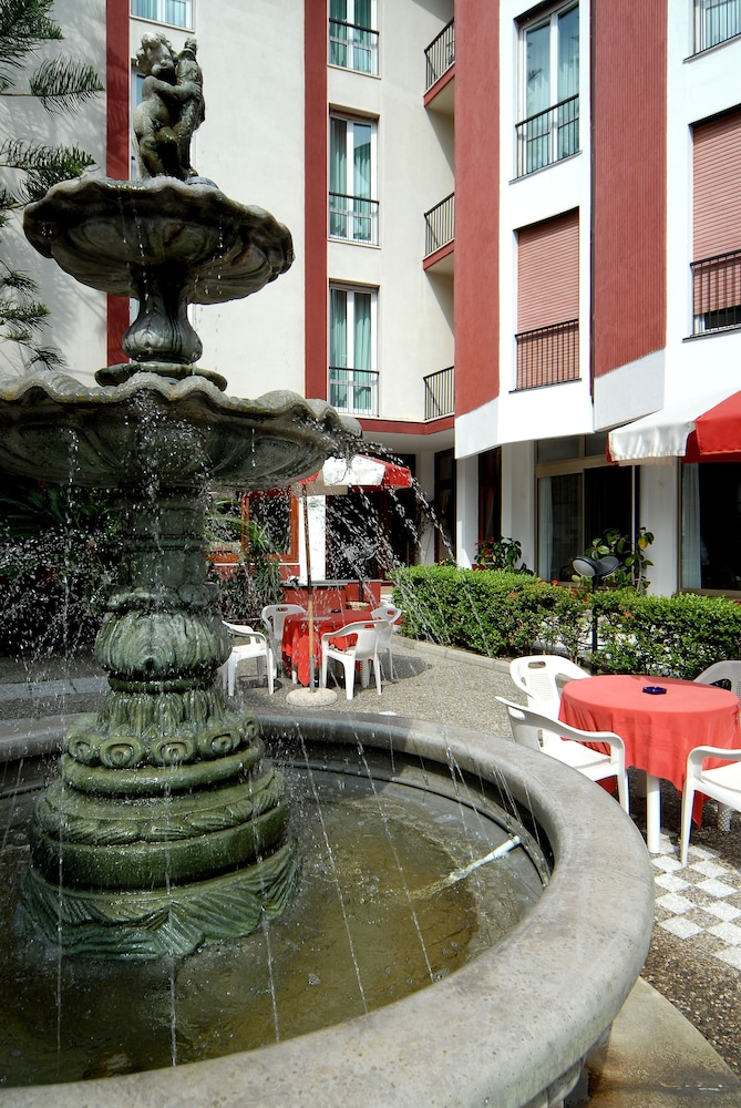 Fountain, Hotel 5 Terre