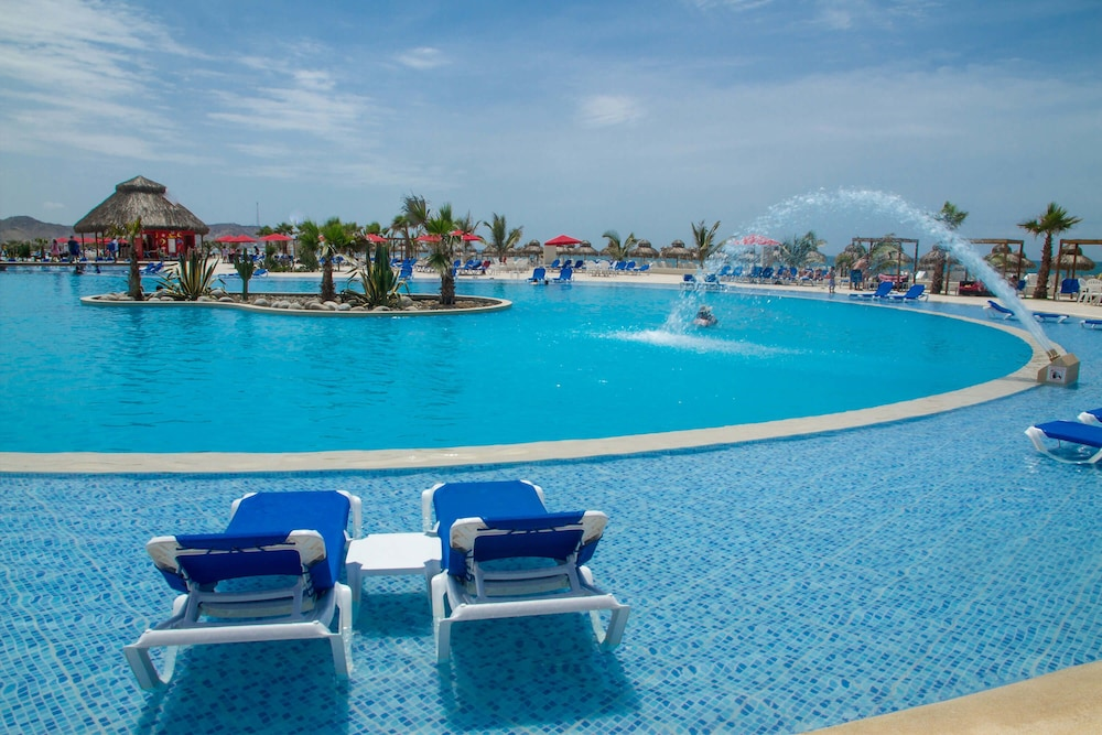 Outdoor Pool, Royal Decameron Punta Sal - All Inclusive