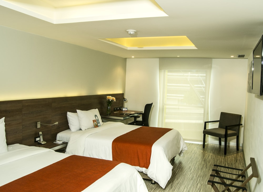 Book bogot 100 design hotel bogota hotel deals for Hotel luxury 100 bogota