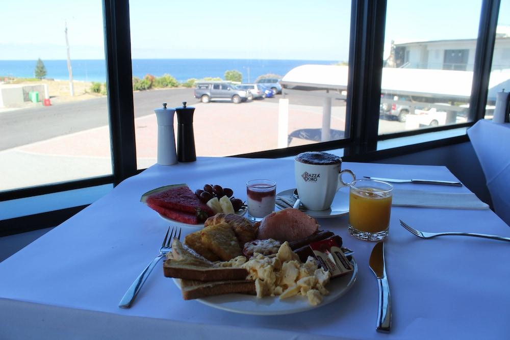 Quality Hotel Lighthouse Deals & Reviews (, )   Wotif