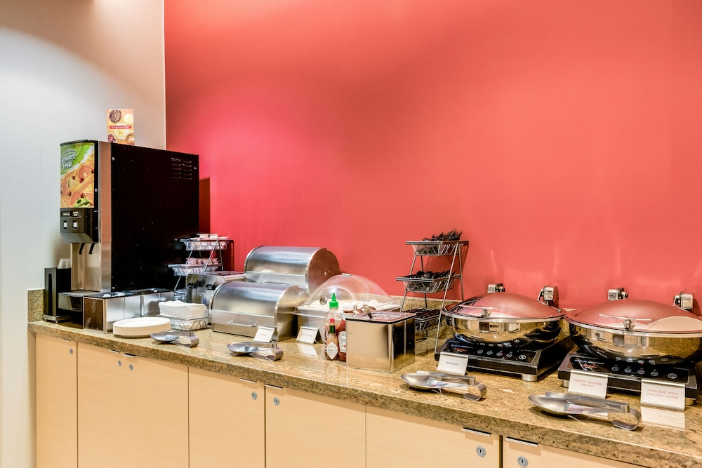 Breakfast buffet, TownePlace Suites by Marriott Ann Arbor