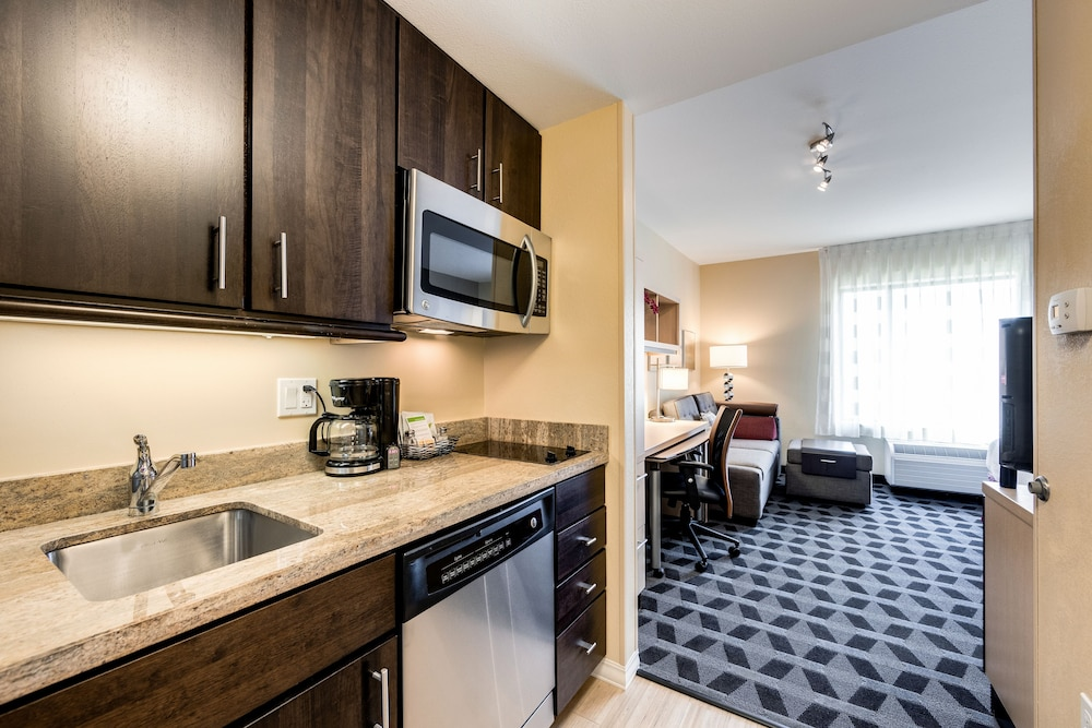 Private Kitchen, TownePlace Suites by Marriott Ann Arbor