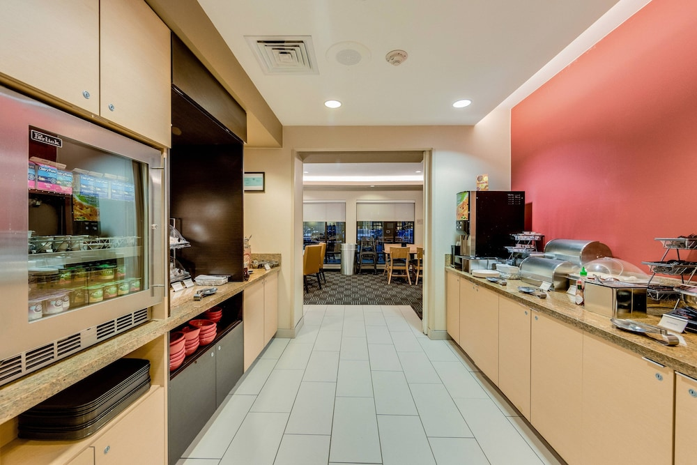 Restaurant, TownePlace Suites by Marriott Ann Arbor