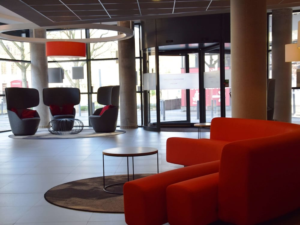 Lobby Sitting Area, Mercure Valenciennes Centre