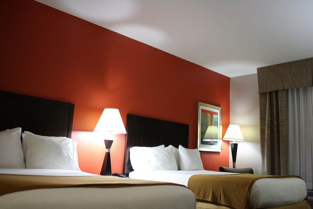 Room, Holiday Inn Express Toledo North, an IHG Hotel