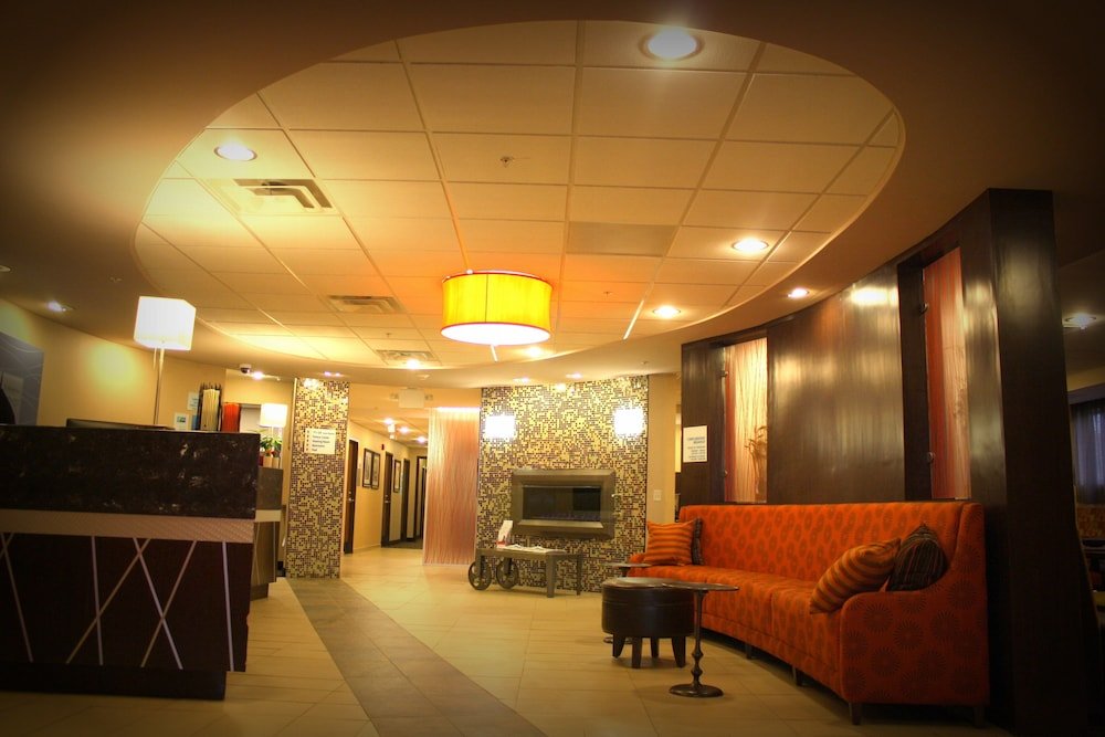 Lobby, Holiday Inn Express Toledo North, an IHG Hotel