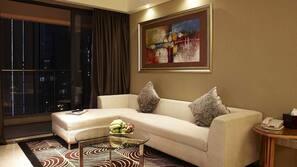 1 間臥室、高級寢具、房內夾萬、窗簾