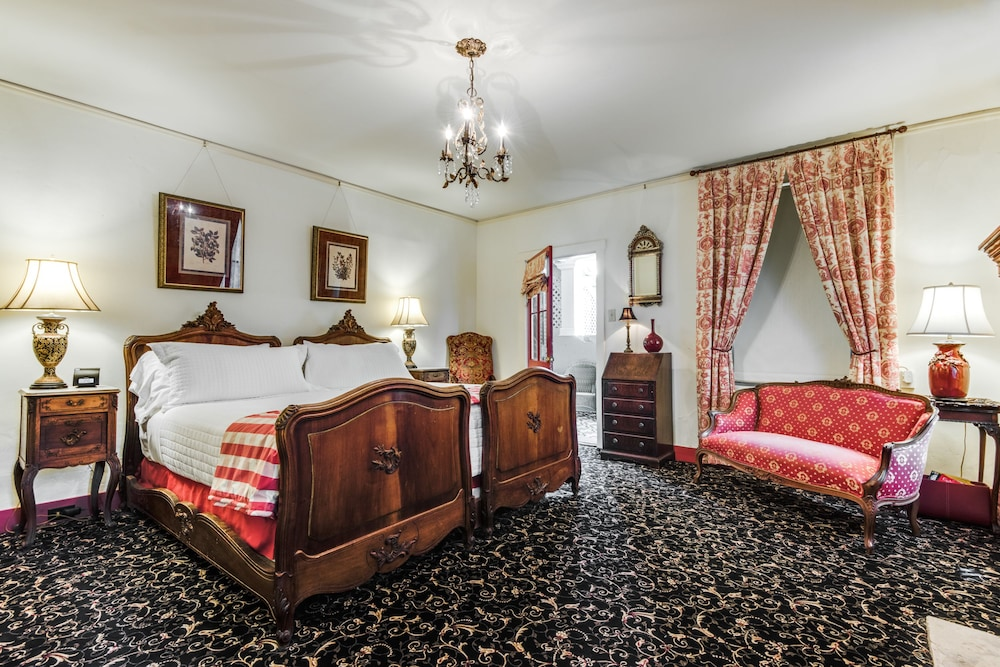 Room, Noble Inns