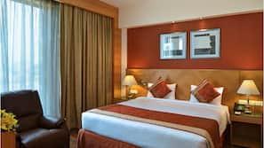 1 多间卧室、高档床上用品、客房内保险箱、特色装修
