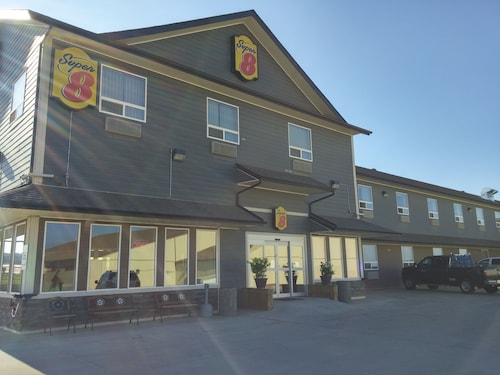 Super 8 Peace River AB