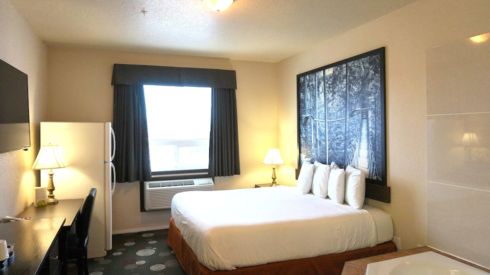 Room, Super 8 by Wyndham Peace River AB