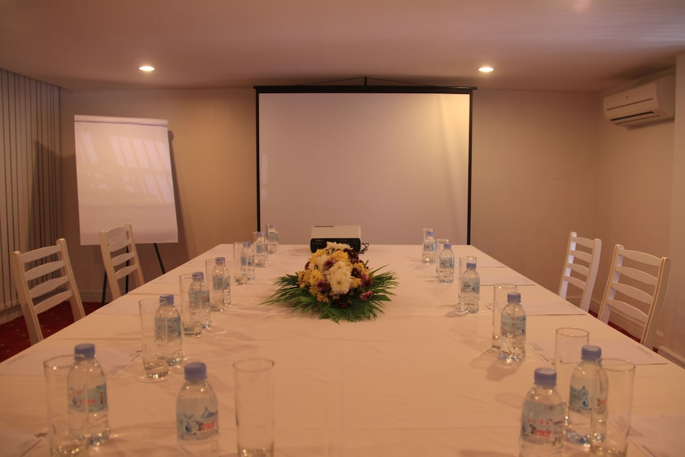 Meeting Facility, Frangipani Royal Palace Hotel