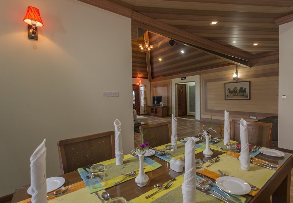 In-Room Dining, Reveries Diving Village