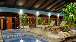 Indendørs pool, udendørs pool, parasoller