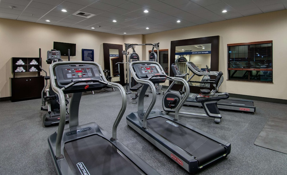 Fitness Facility, Hampton Inn and Suites Astoria