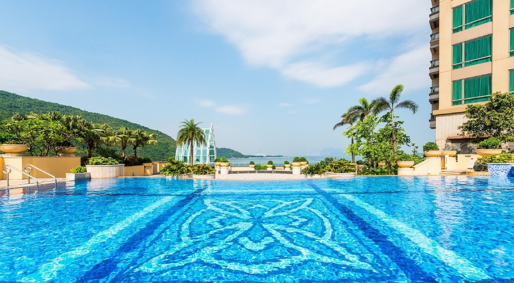 Outdoor Pool, Auberge Discovery Bay Hong Kong