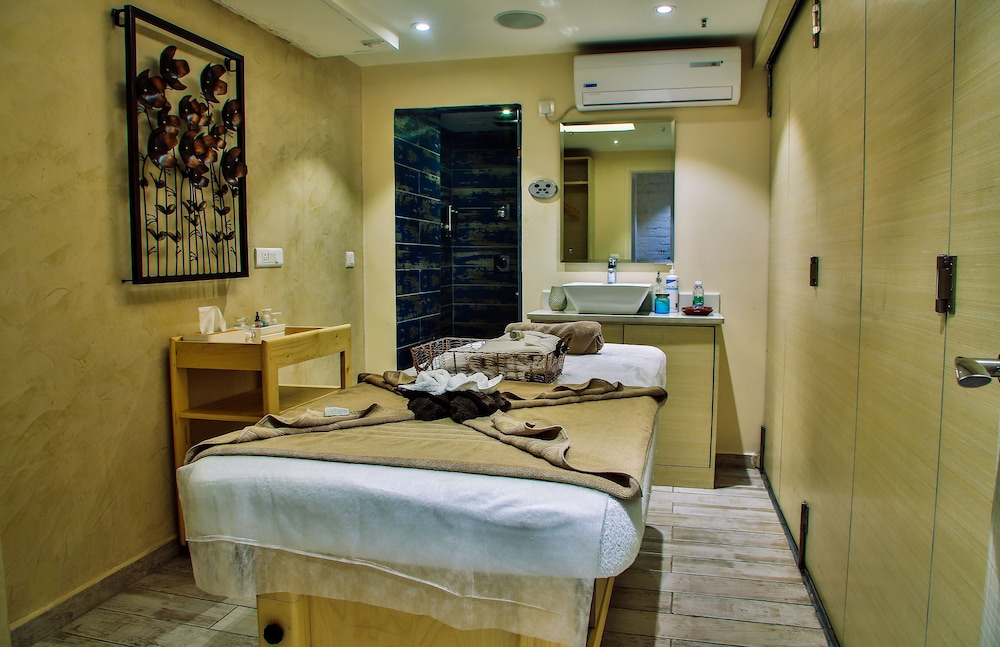 Spa Treatment, Daspalla Hyderabad
