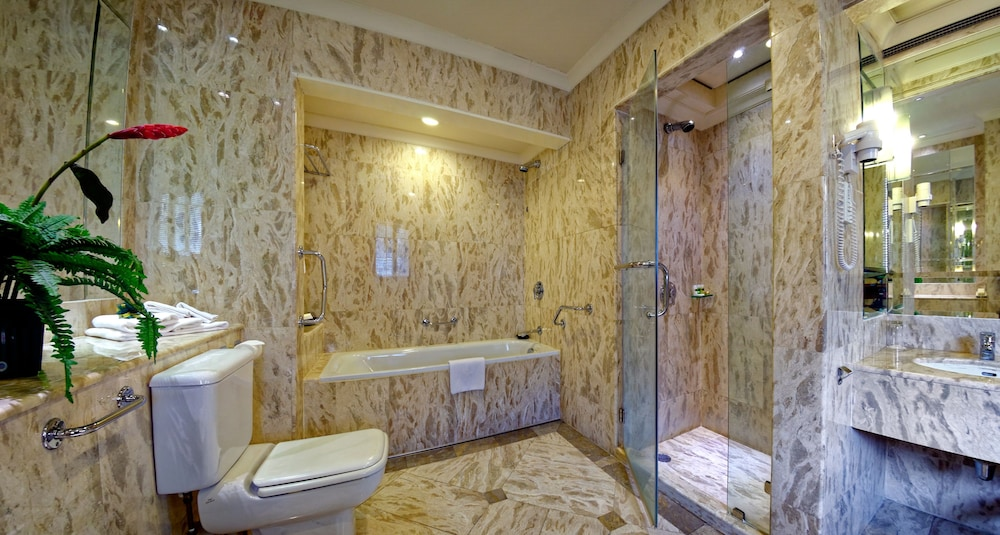 Bathroom, The Jesselton Hotel